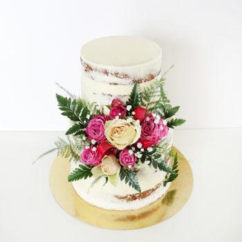 wedding cake fleur milieu